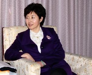华莹玻璃-石家庄华莹玻璃制品有限公司董事长杨明华