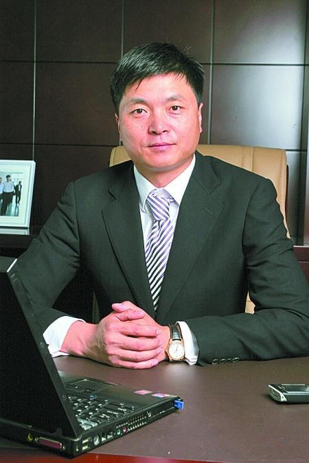 郑州云顶服饰有限公司董事长刘涛